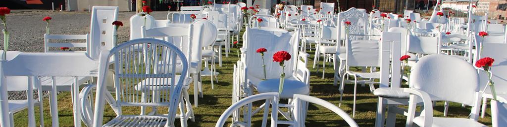 185 White Chairs (185紀念公園)