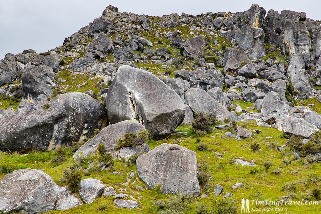 73號公路必訪景點#1:Castle Hill (怪石保護區、城堡山)