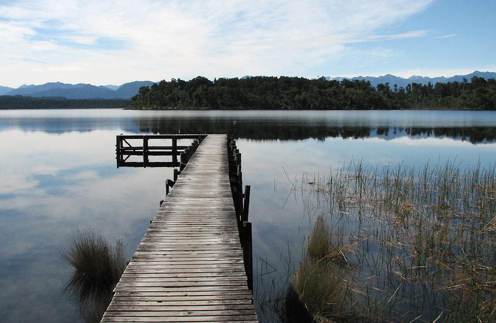 西海岸必訪景點 #2:Lake Mahinapua (馬希納普阿湖)