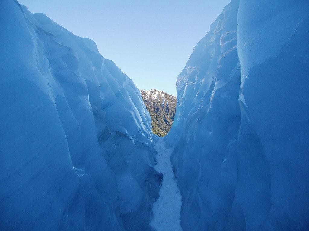 Fox Glacier 的特殊地形:冰牆