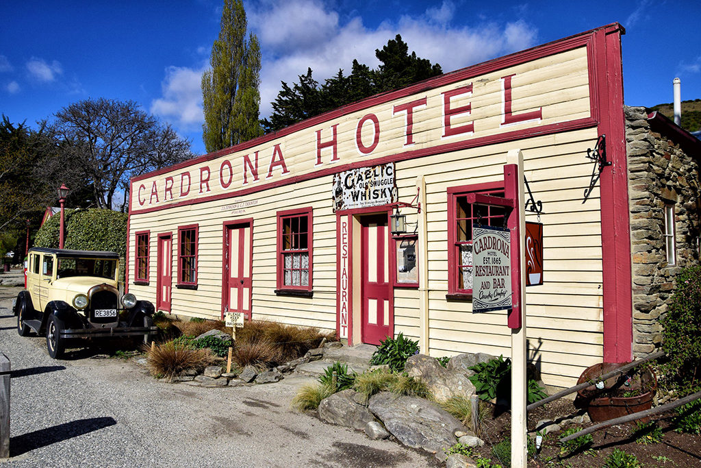 Wanaka 到 Queenstown - Crown Range Road 沿途景點#2 : Cardrona Hotel  (卡德羅納旅館)