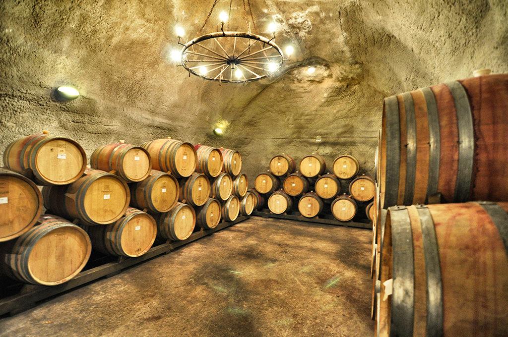 Gibbston Valley Winery (吉布森山谷酒莊) 酒窟內景色