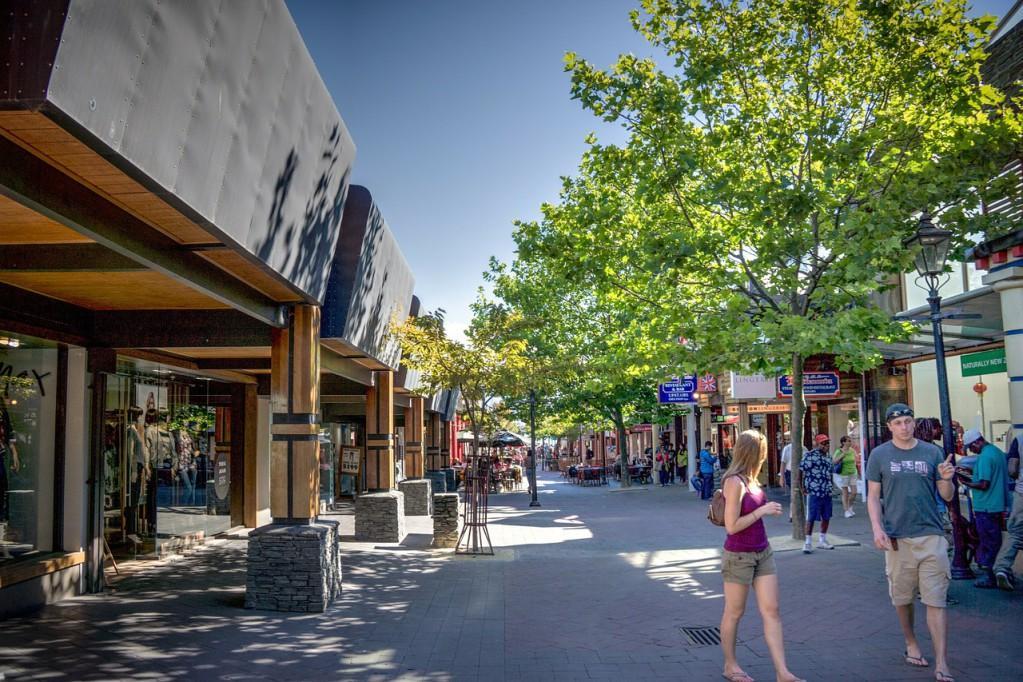 皇后鎮 必遊景點#3-3:Queenstown Downtown - Mall Street (購物街)