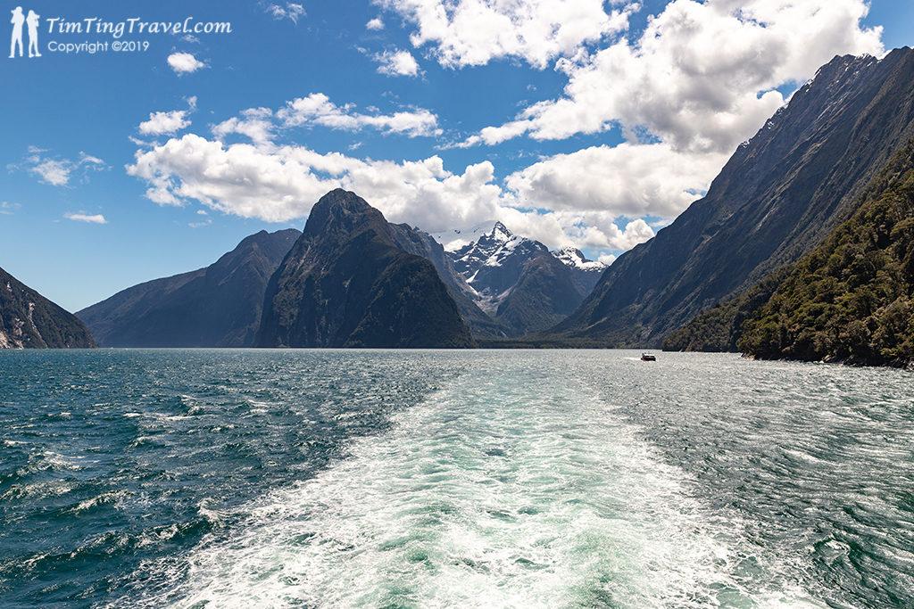 Milford Sound 必遊景點 #1 - Milford Sound Cruise (遊輪體驗)