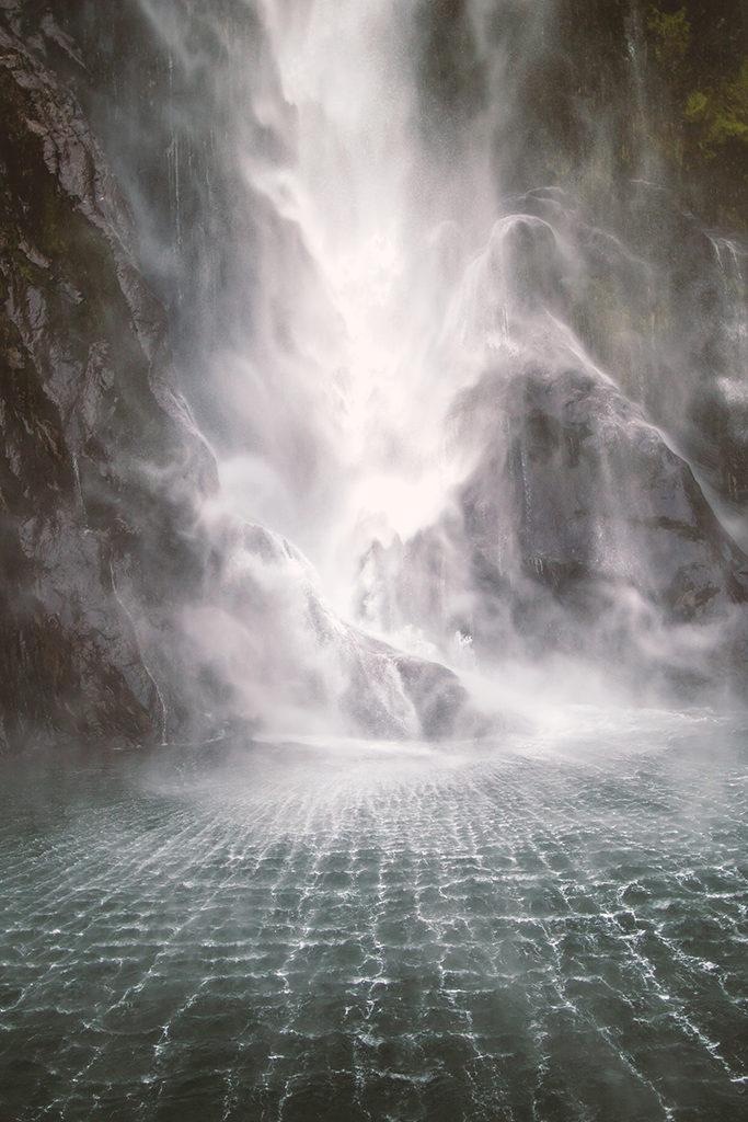 Milford Sound 沿途景色介紹:Stirling Falls (斯特林瀑布)