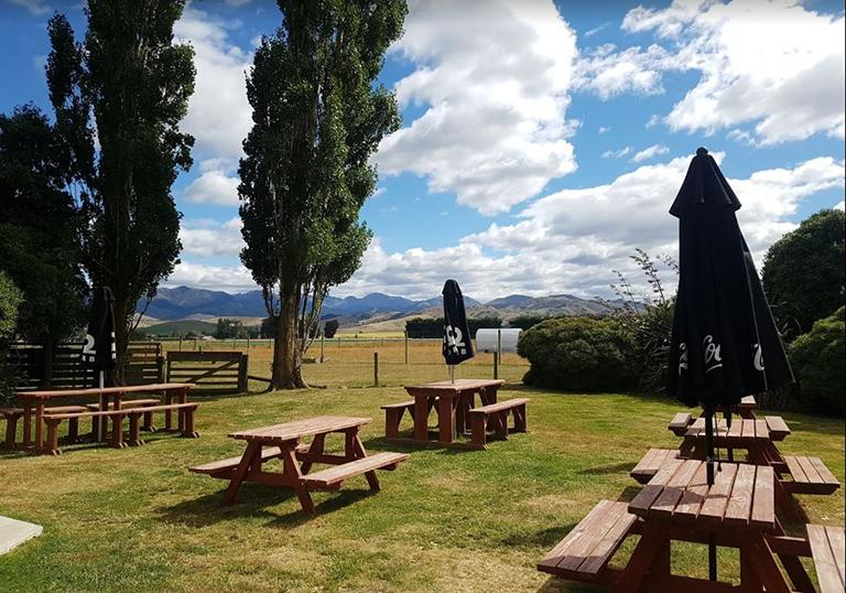 Queenstown 到 Te Anau 沿途景點 #3 - Five Rivers Cafe (五河咖啡館)