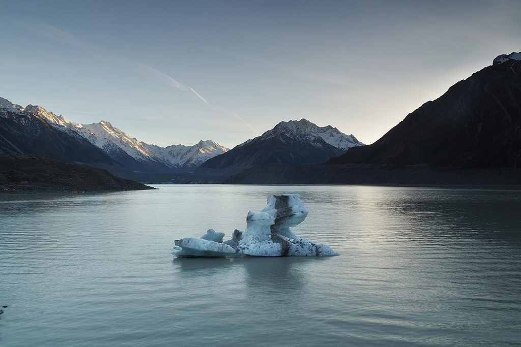 Mt. Cook 推薦步道 & 必遊景點 #2 - Tasman Lake Track (塔斯曼湖步道)