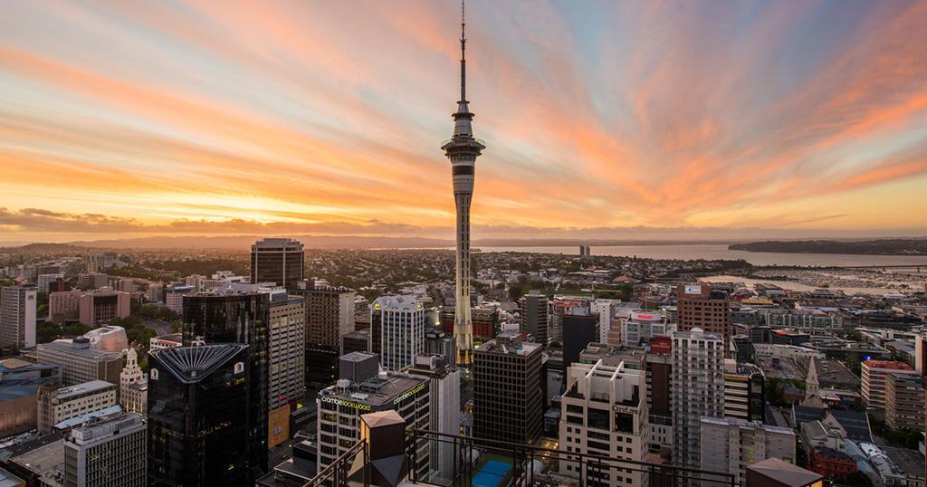 Auckland 必遊景點 #1.1 Sky Tower (天空塔)