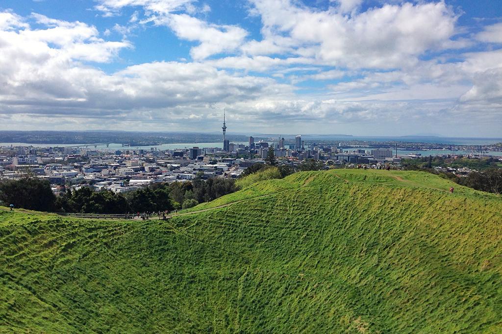 Auckland 必遊景點 #2 Mt. Eden (伊甸山)