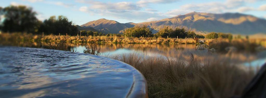 Queenstown 到 Mt Cook 沿途景點 #3 - Hot Tubs Omarama (奧瑪拉瑪熱水浴池)