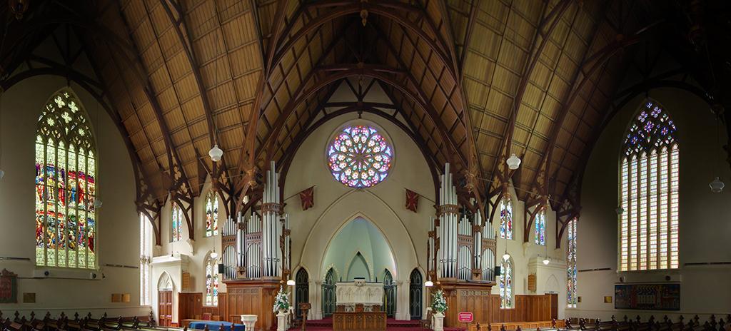 First Church of Otago (奧塔哥第一教堂) 的內部玫瑰窗