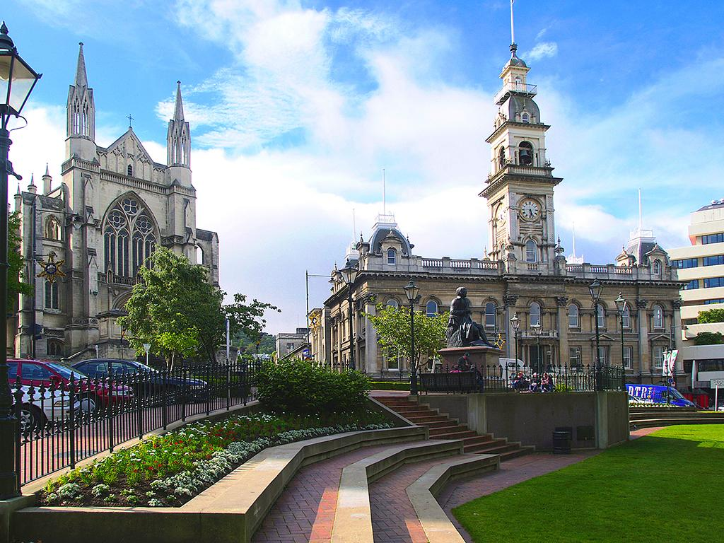 The Octagon (八角廣場) 景點 - Dunedin Town Hall (但尼丁市政廳)