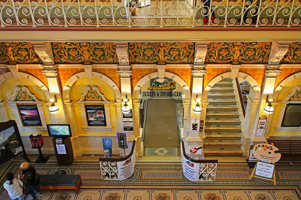 Dunedin Railway Station (但尼丁火車站) 的車站大廳