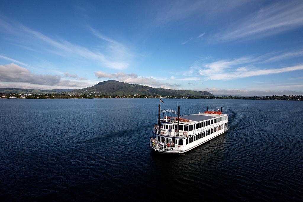 Lake Rotorua (羅托魯瓦湖) 景點 #2 -  Lakeland Queen Cruise (女皇號游輪)