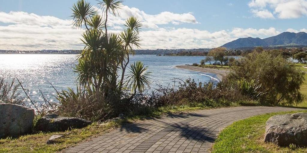 Taupo 景點 #2.1 - Taupo Lakefront Reserve (陶波湖岸前步道)