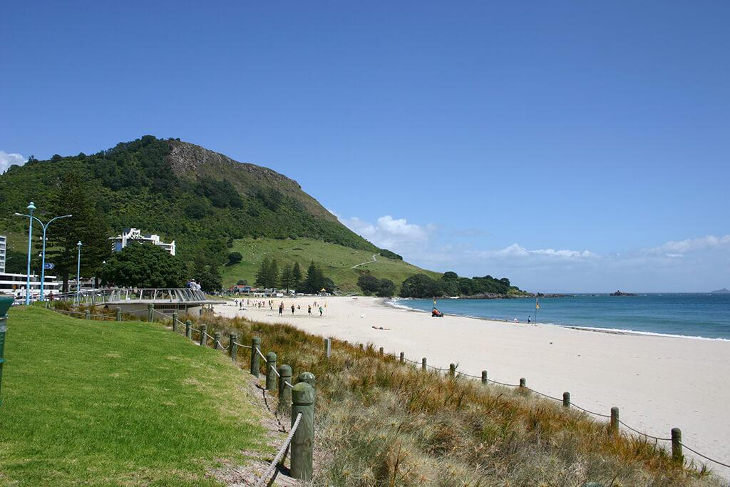 Tauranga 必遊景點#2 - Mt. Maunganui Main Beach (芒格努伊山主海灘)