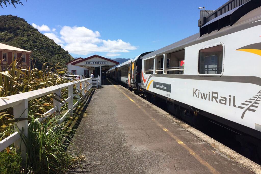 紐西蘭最熱門的觀光列車 TranzAlpine Train (阿爾卑斯山火車)
