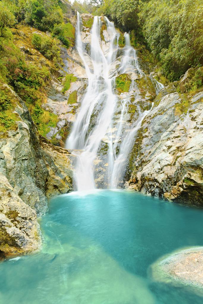 Lake Brunner 附近景點: Carew Creek Falls