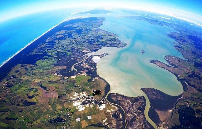 Auckland - Skydive Auckland: 紐西蘭最高、最方便的跳傘場